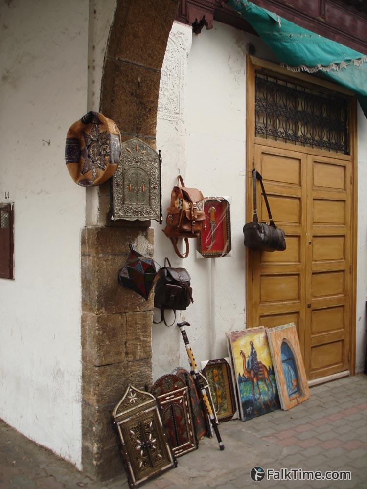 Arts and handicraft goods