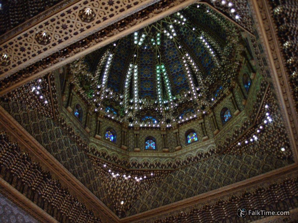 Picturesque ceiling