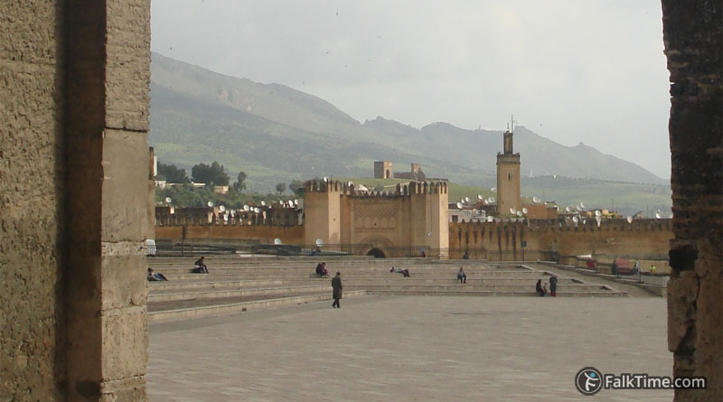 Bab Chorfa and Friday mosque